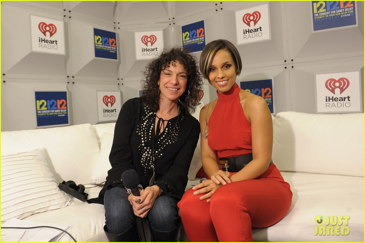 alicia keys 12 12 12 concert performer 062775184