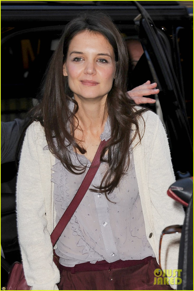 katie holmes greets fans 072769955