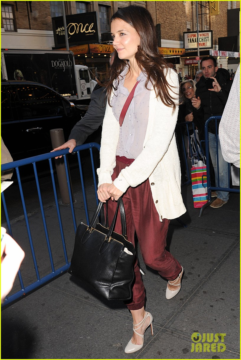 katie holmes greets fans 102769958