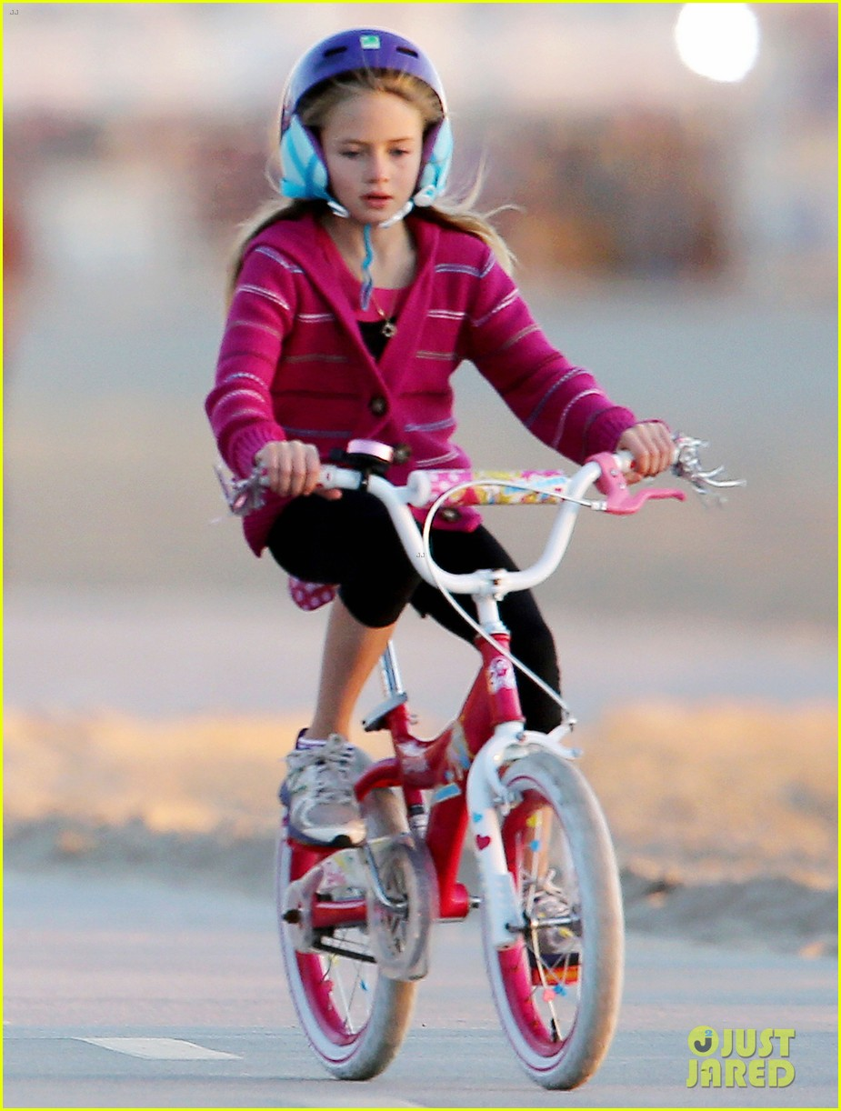 heidi klum martin kristen bike rides family 04