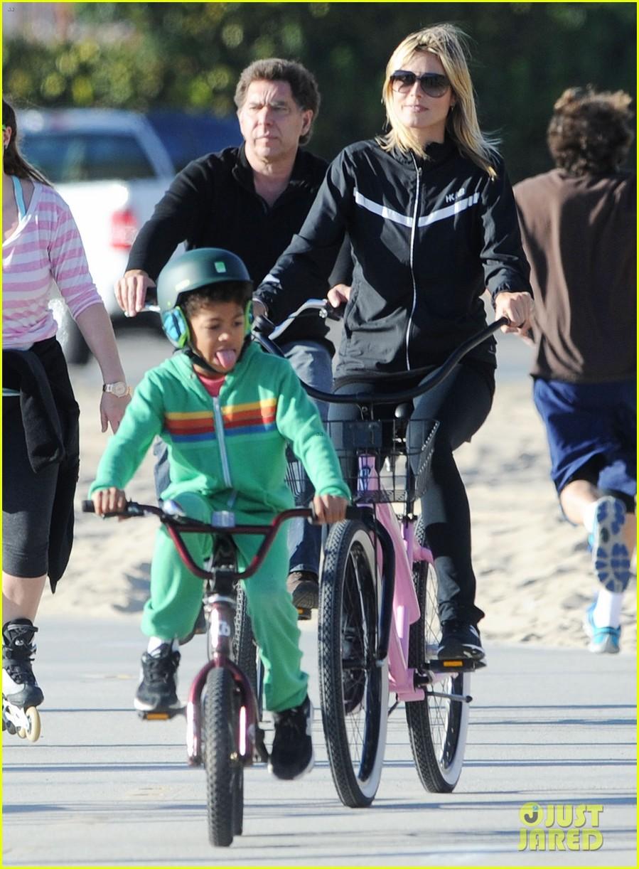 heidi klum martin kristen bike rides family 092781622