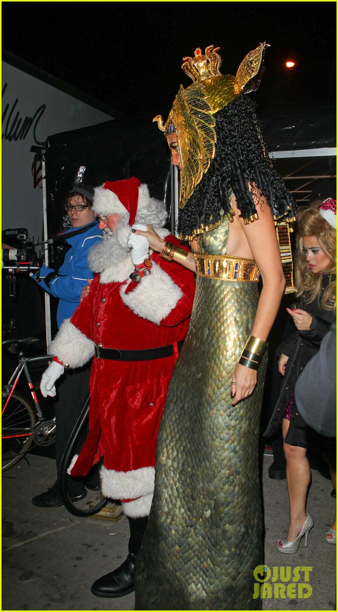 heidi klum cleopatra at holiday costume party 152767690