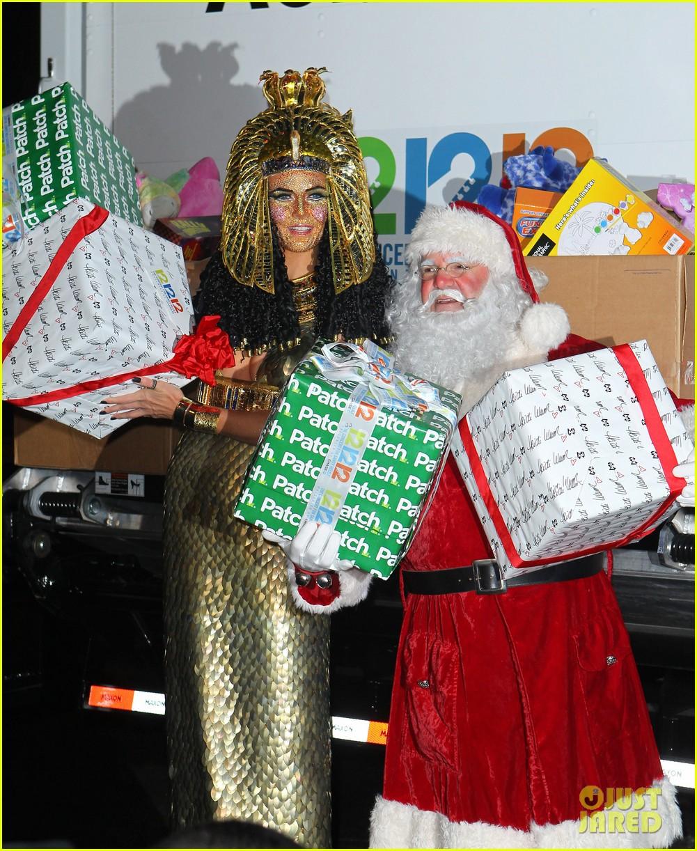 heidi klum cleopatra at holiday costume party 192767694