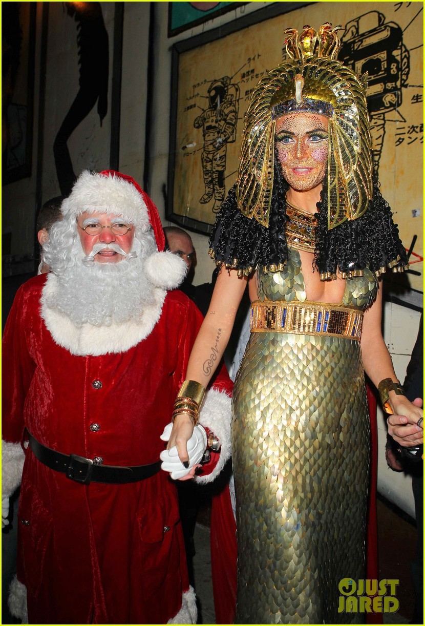 heidi klum cleopatra at holiday costume party 232767698