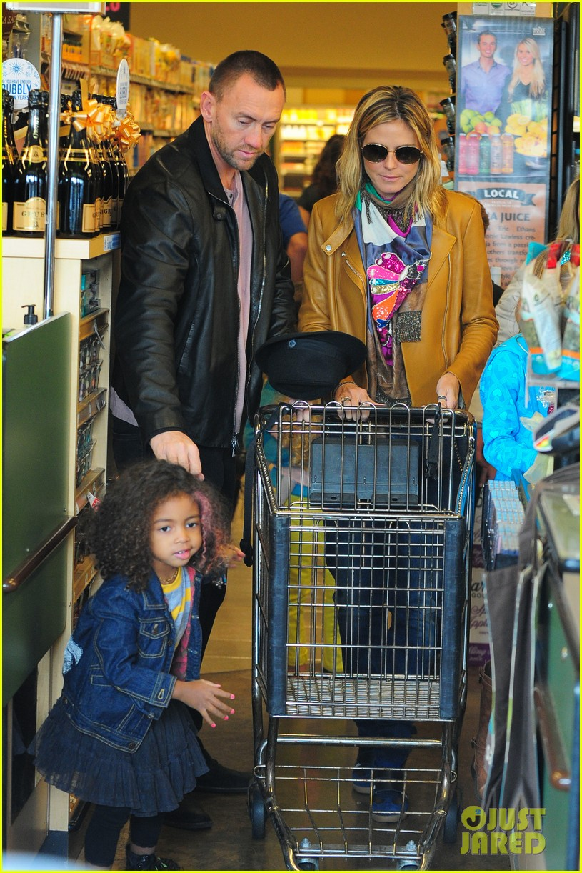 heidi klum martin kirsten grocery shopping with girls 032782549