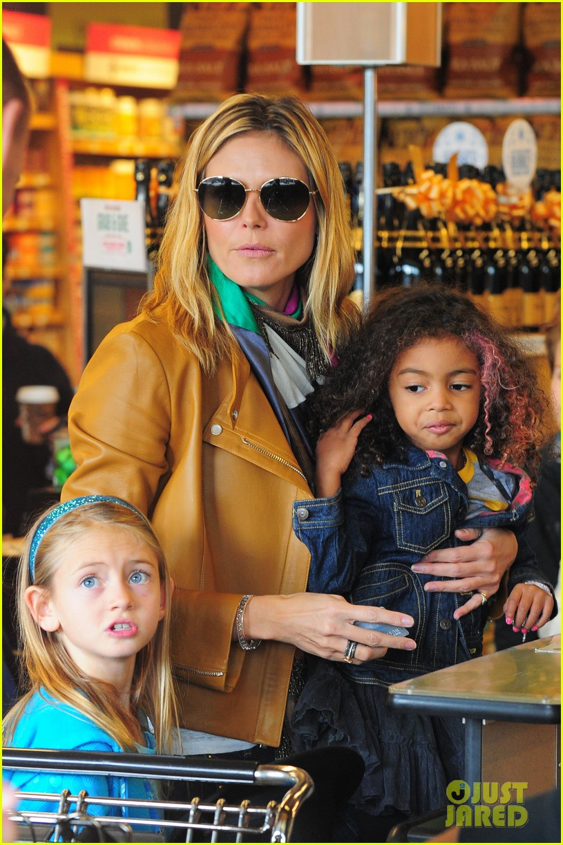 heidi klum martin kirsten grocery shopping with girls 042782550