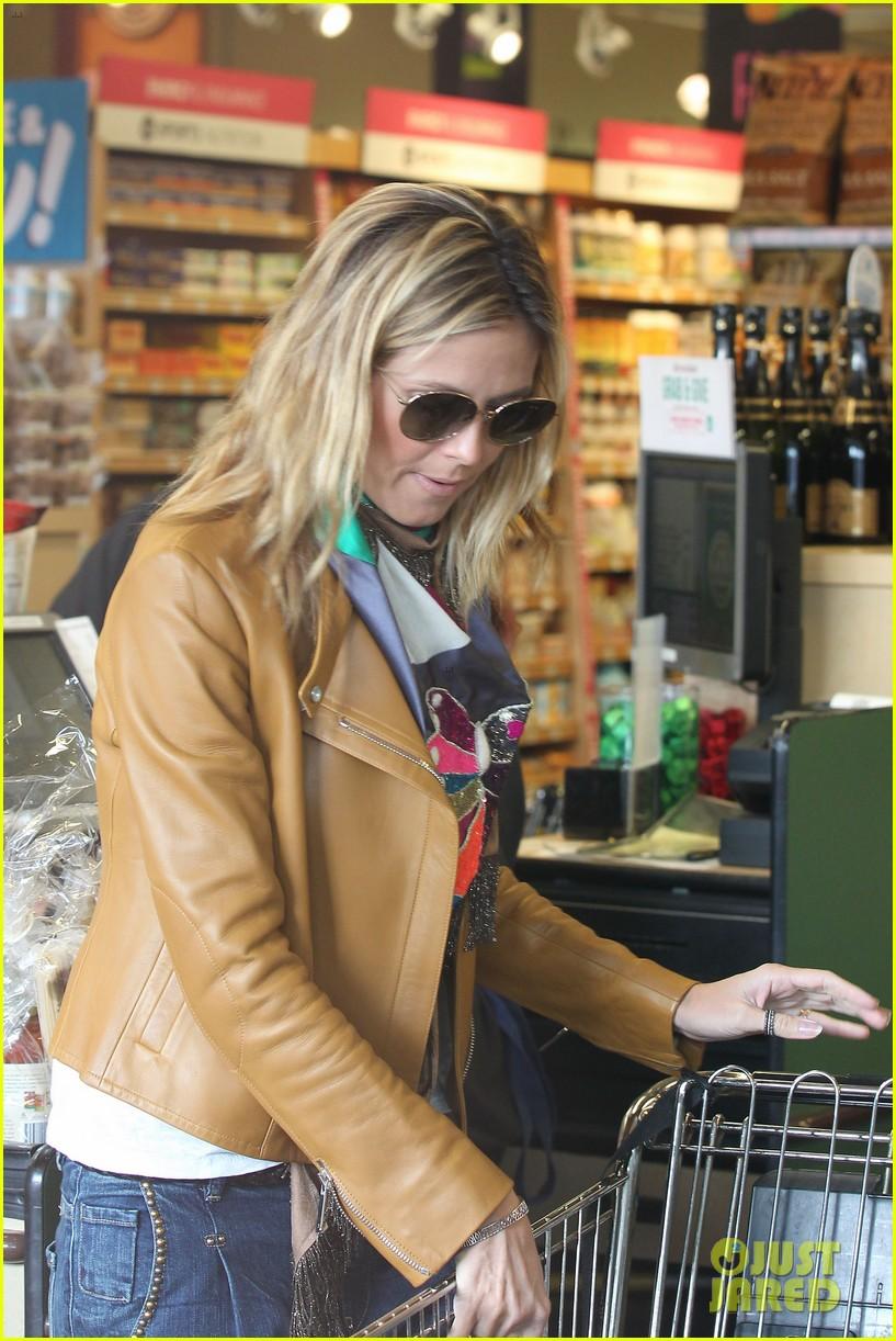 heidi klum martin kirsten grocery shopping with girls 072782553