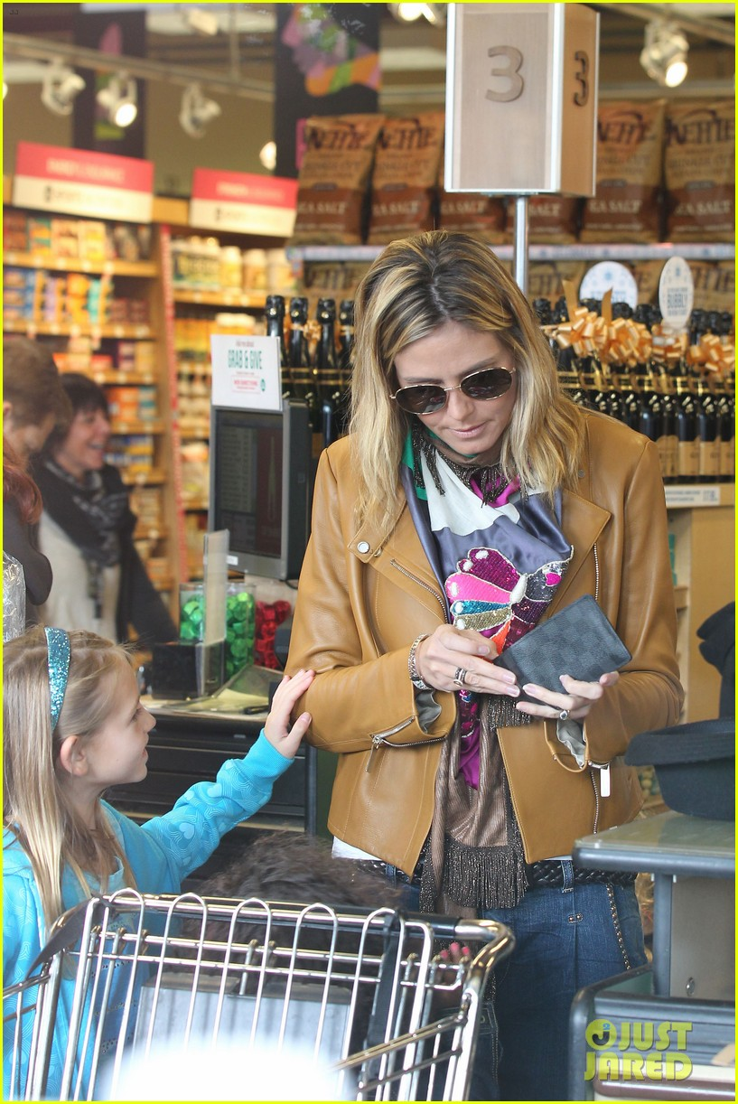 heidi klum martin kirsten grocery shopping with girls 122782558