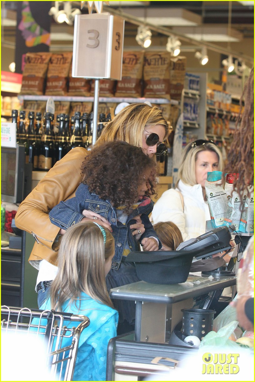 heidi klum martin kirsten grocery shopping with girls 142782560