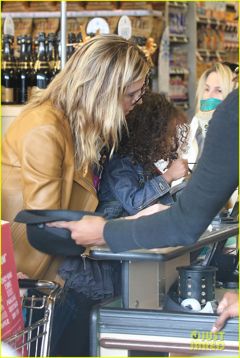 heidi klum martin kirsten grocery shopping with girls 172782563