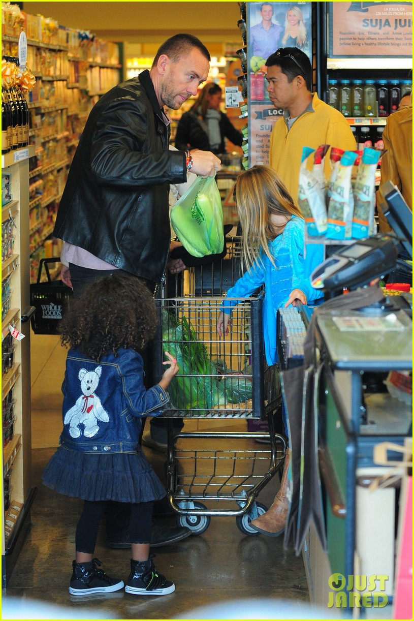 heidi klum martin kirsten grocery shopping with girls 332782579