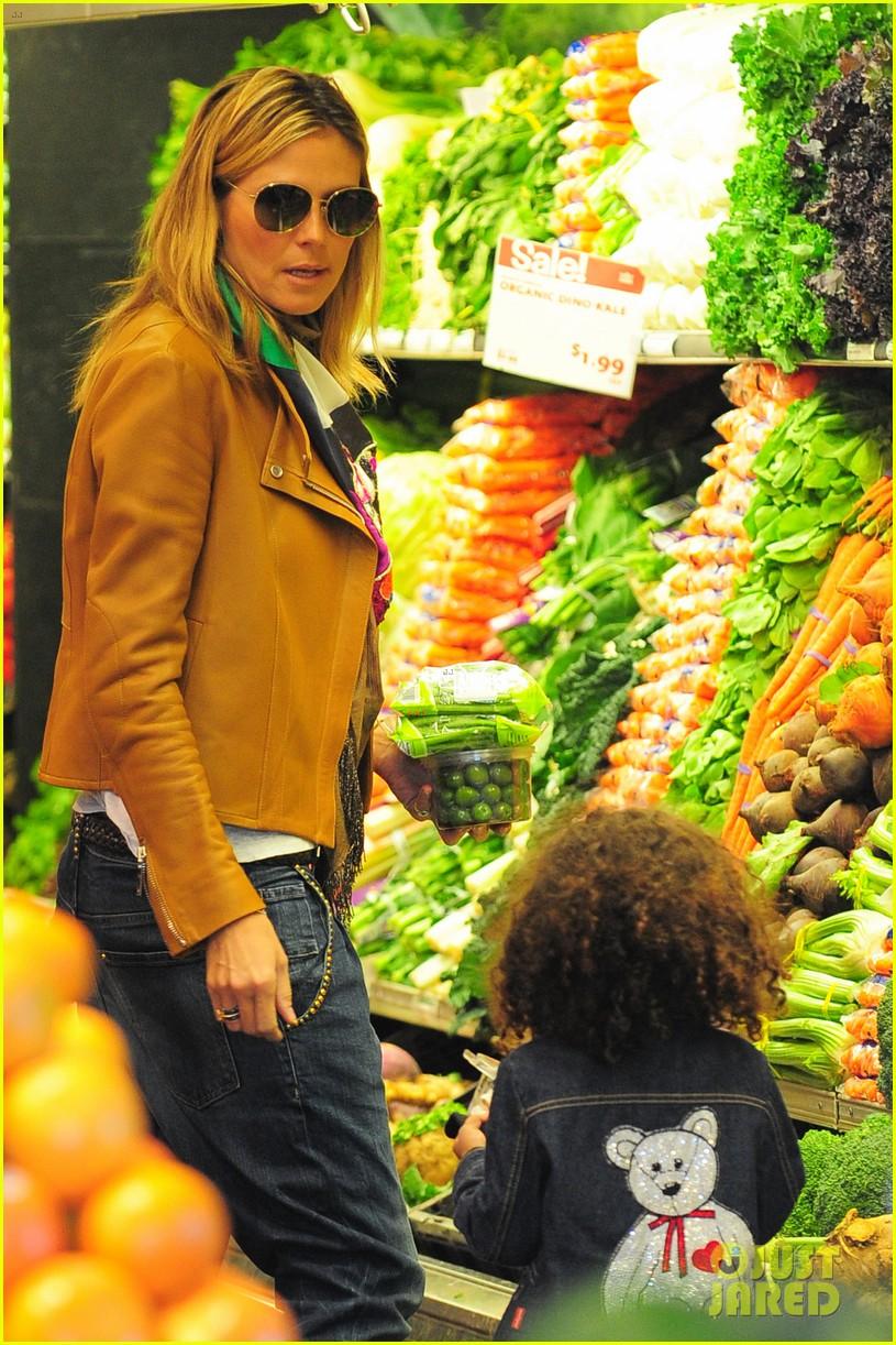 heidi klum martin kirsten grocery shopping with girls 342782580
