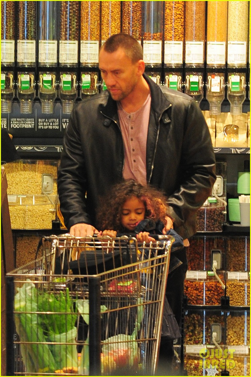 heidi klum martin kirsten grocery shopping with girls 362782582