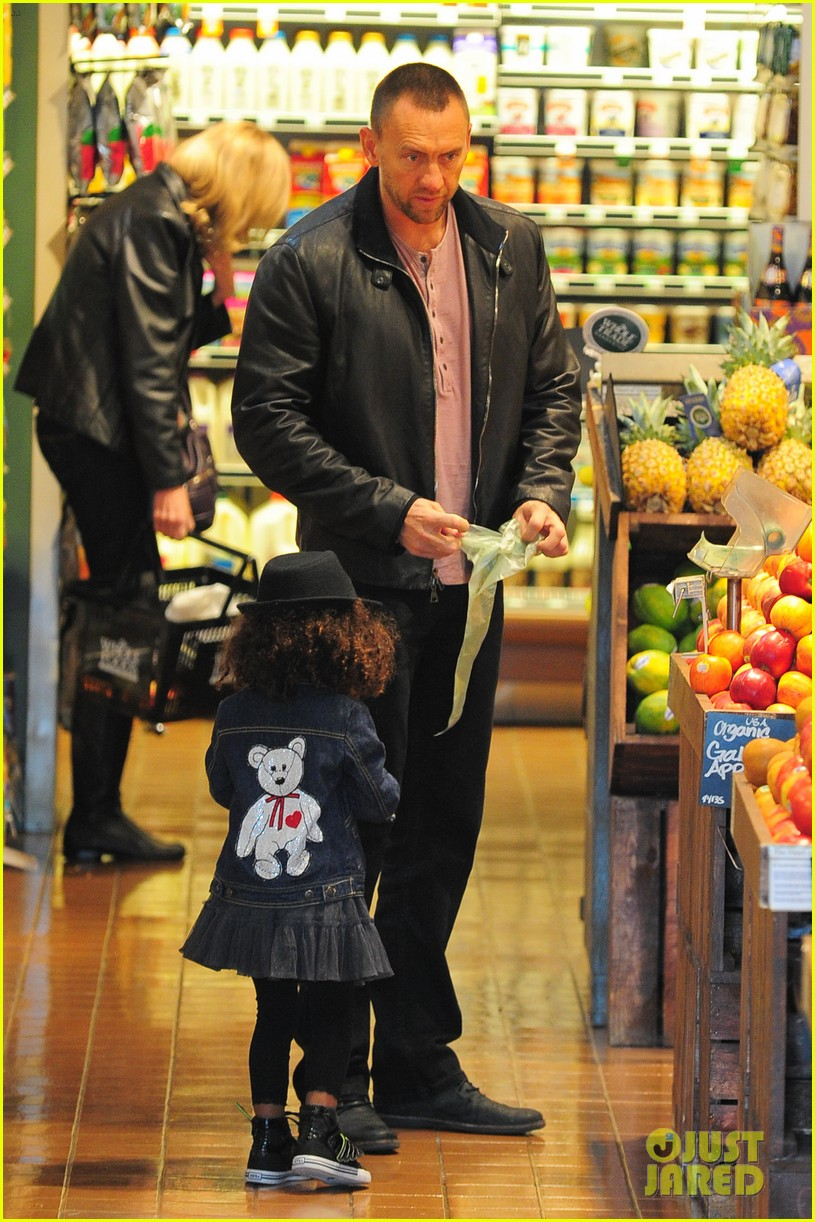 heidi klum martin kirsten grocery shopping with girls 382782584