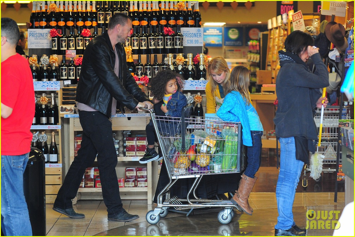 heidi klum martin kirsten grocery shopping with girls 392782585