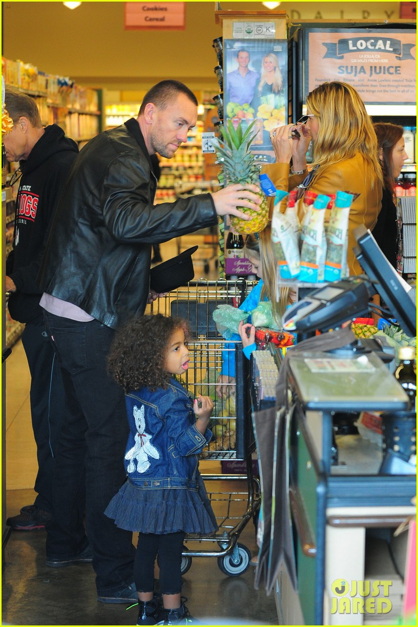 heidi klum martin kirsten grocery shopping with girls 402782586