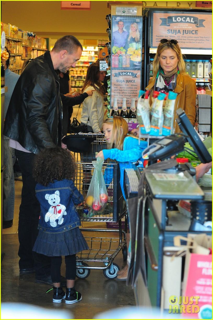 heidi klum martin kirsten grocery shopping with girls 442782590