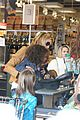 heidi klum martin kirsten grocery shopping with girls 14