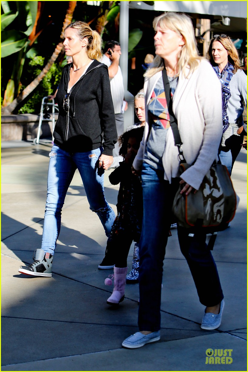 heidi klum martin kristen pretend city childrens museum with the kids 22