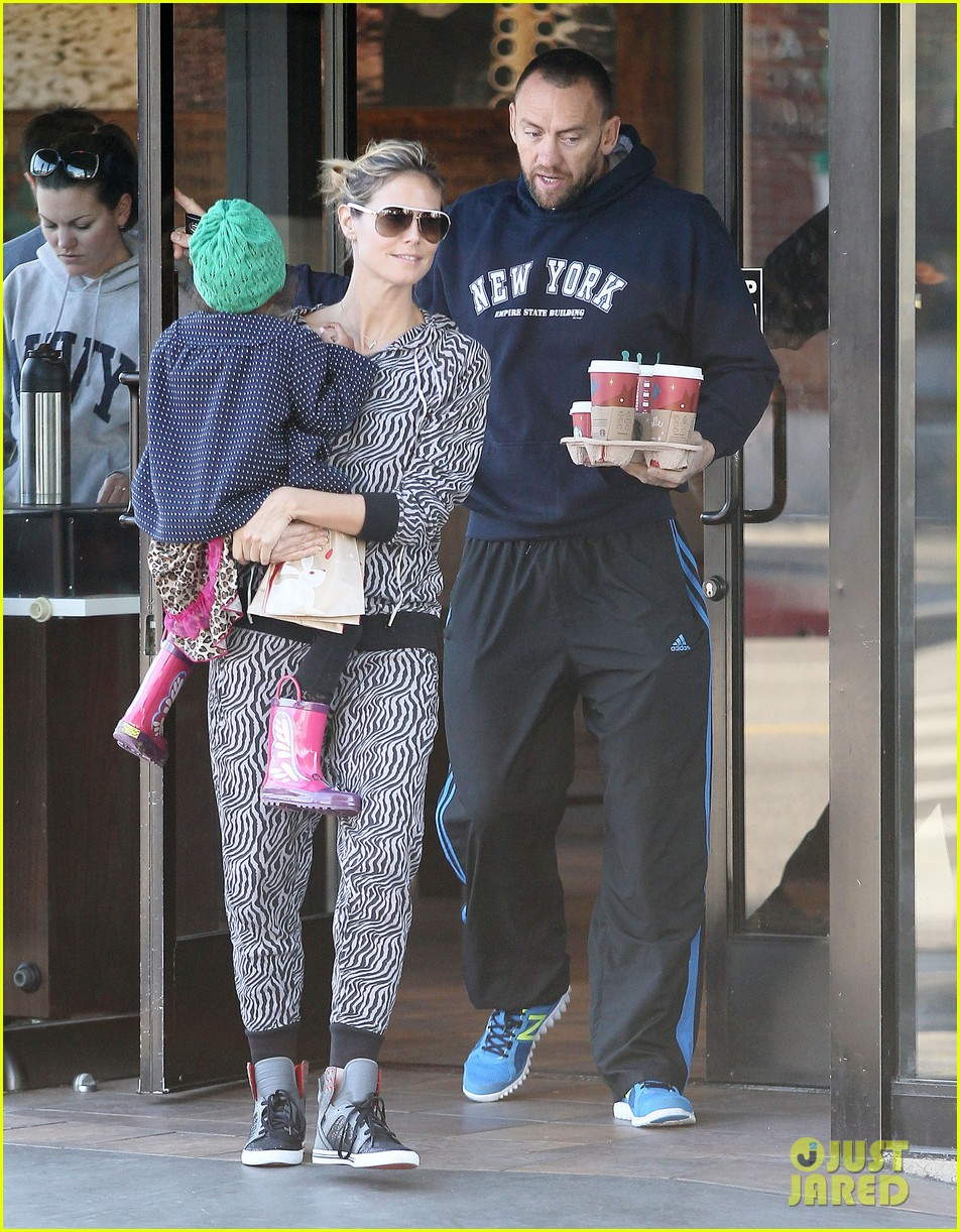 heidi klum coffee run with martin kirsten and lou 142781826