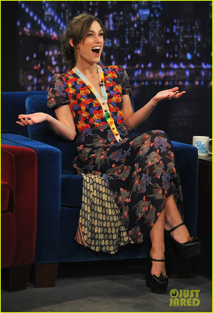 keira knightley musical instrument game with jimmy fallon 09