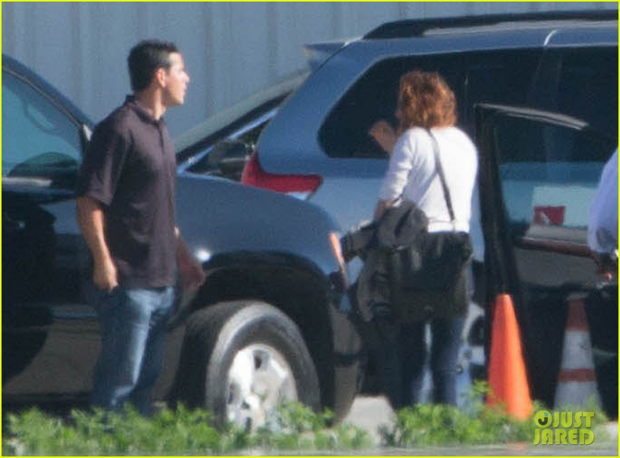 kristen stewart private jet takeoff in los angeles 152774200