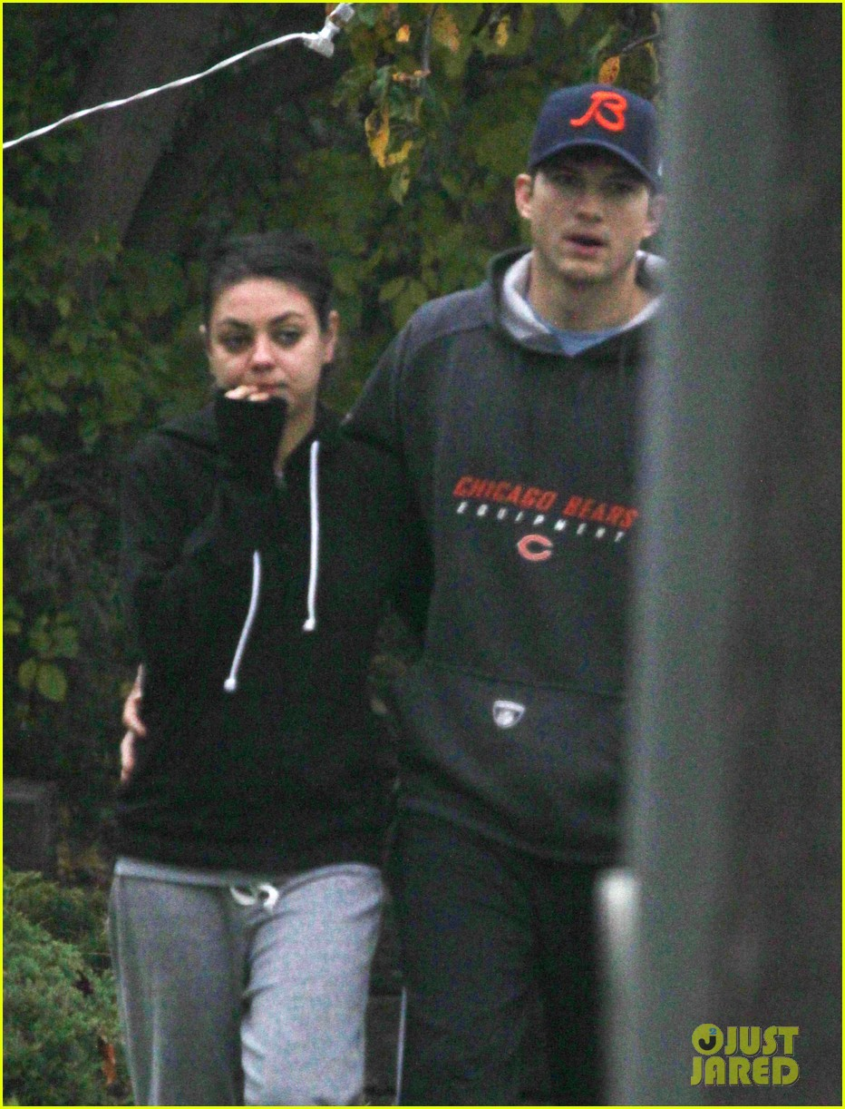 mila kunis ashton kutcher dog walk 072774894