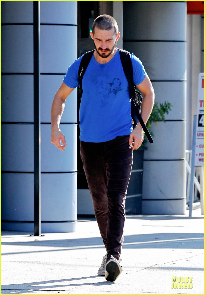 shia labeouf debuts new buzz cut at the gym 12