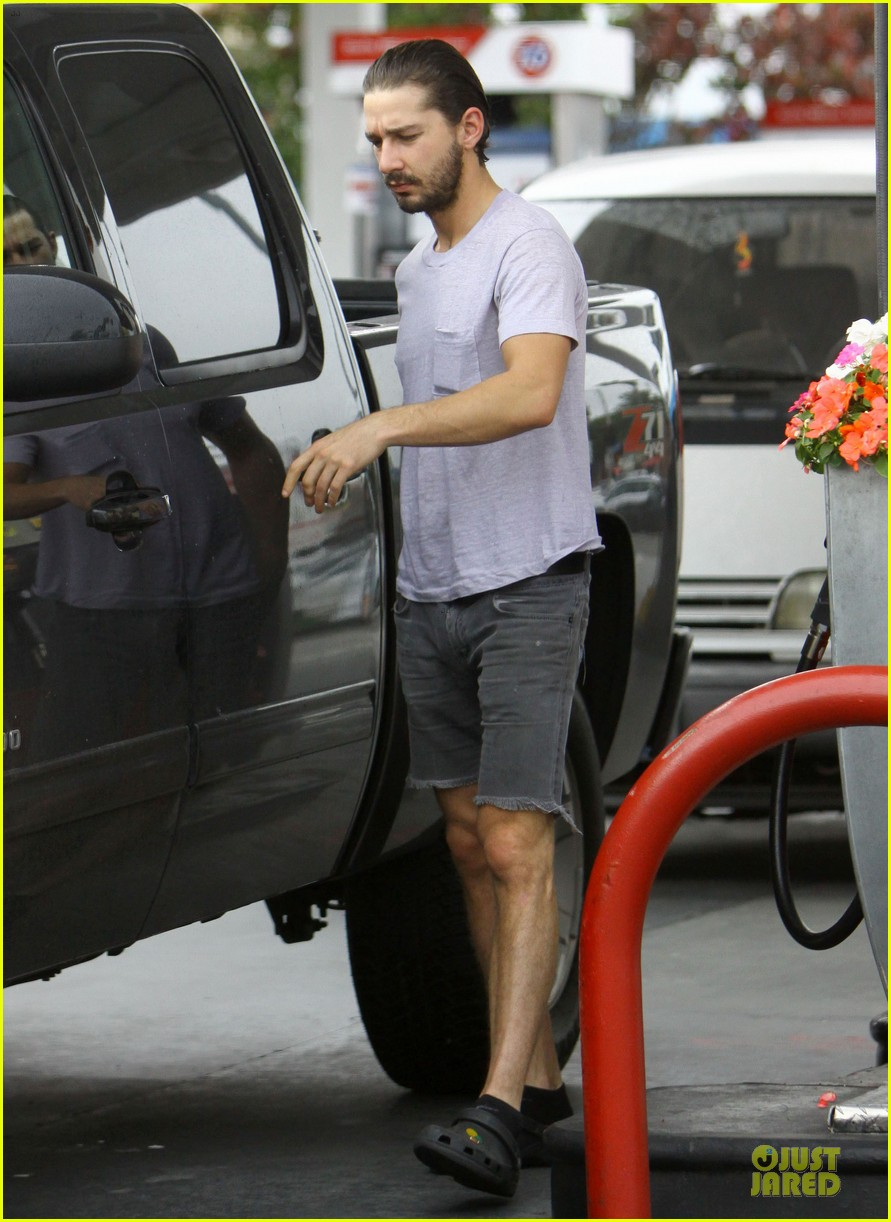 shia labeouf clogs gas station in los angeles 052768102