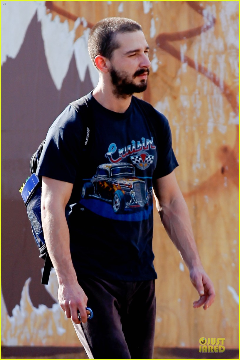 shia labouf cruisin to the gym 102778105