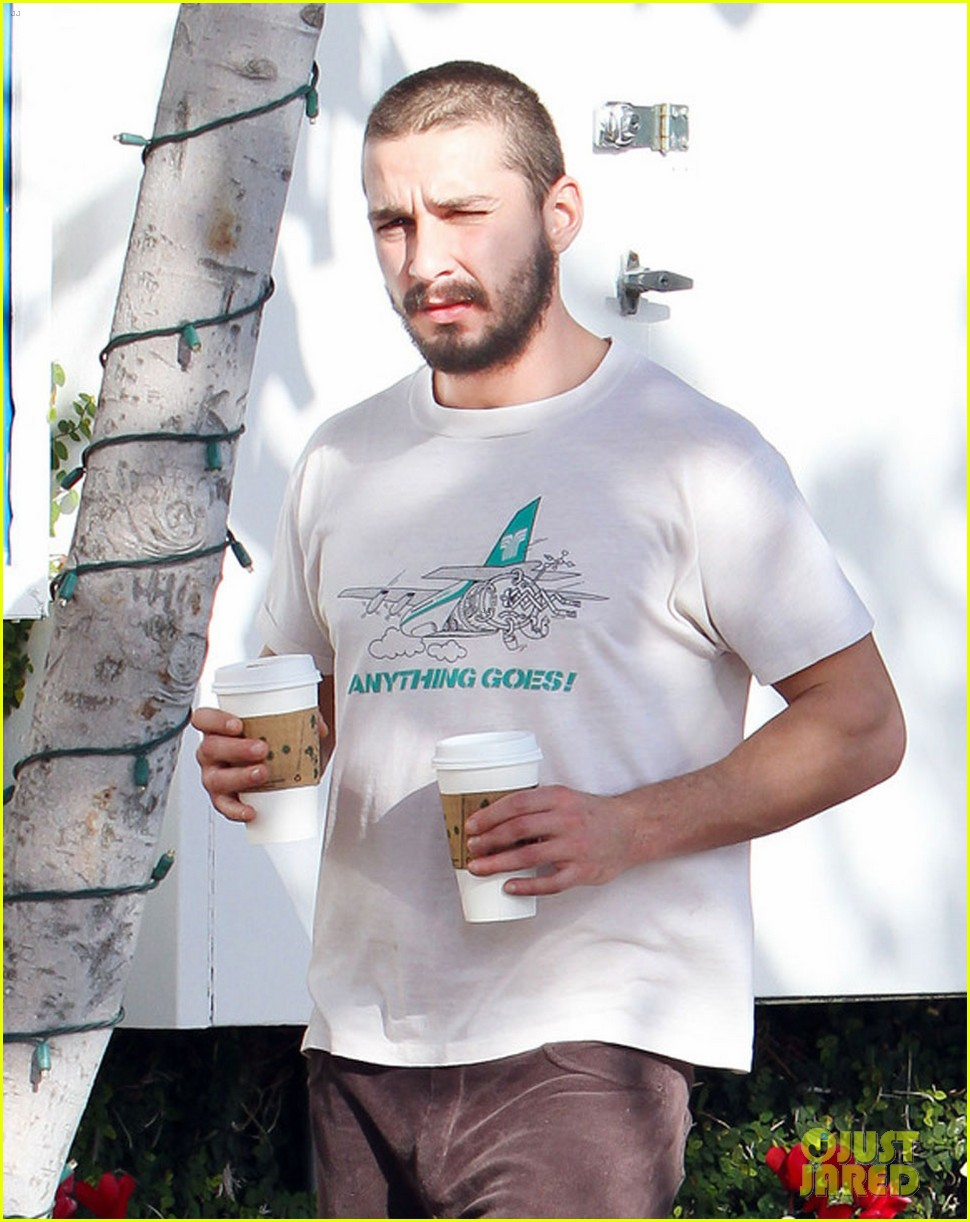 shia labeouf takes mia goth shopping 09