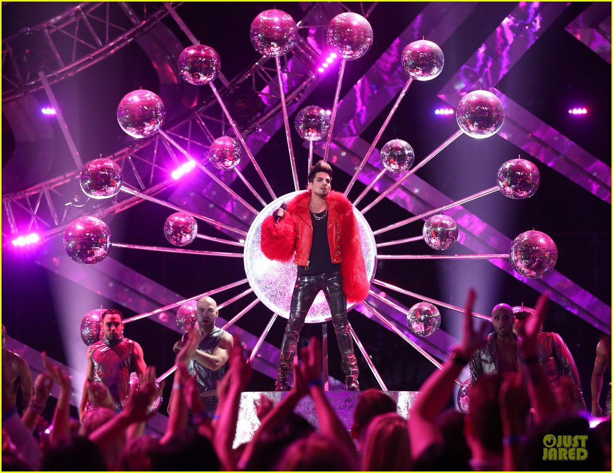 adam lambert vh1 divas performances watch now 032777100
