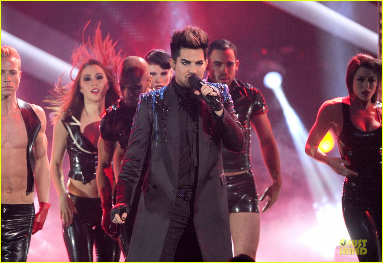adam lambert vh1 divas performances watch now 17