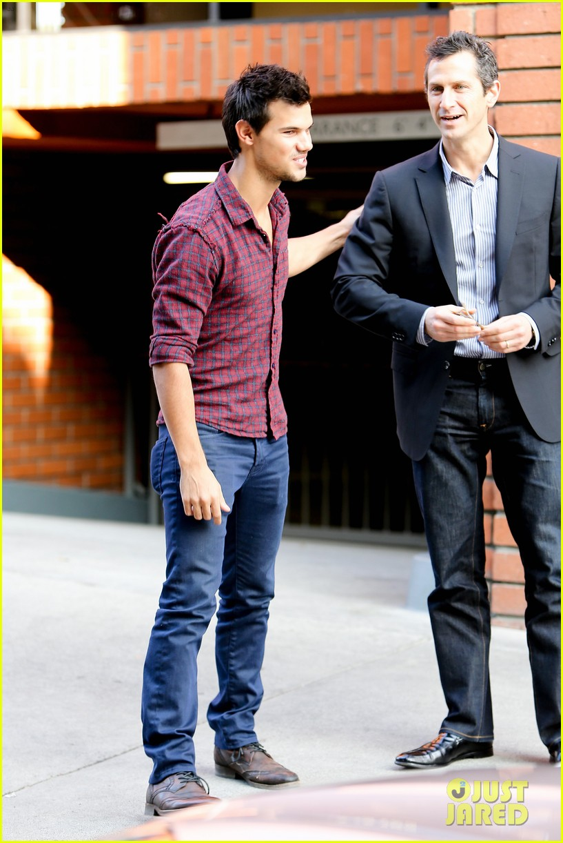 taylor lautner business in brentwood 012770974