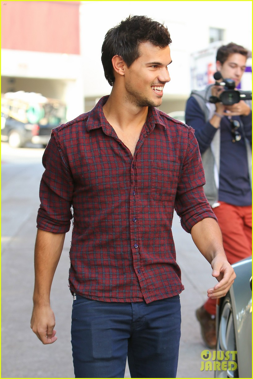 taylor lautner business in brentwood 132770986