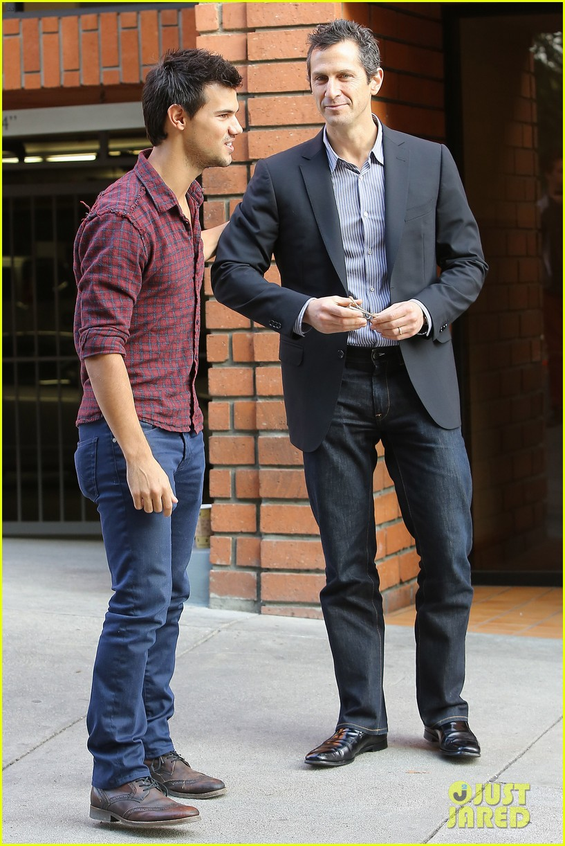 taylor lautner business in brentwood 182770991