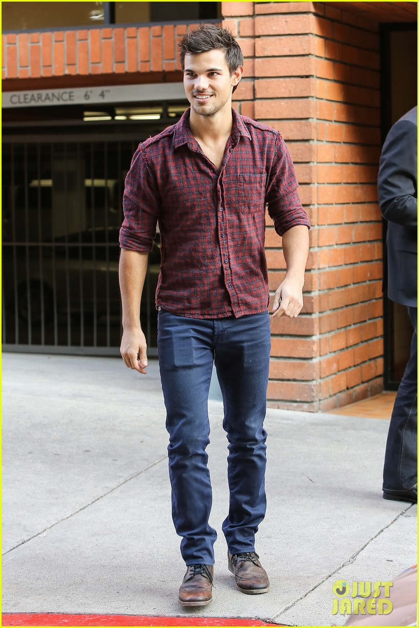 taylor lautner business in brentwood 192770992