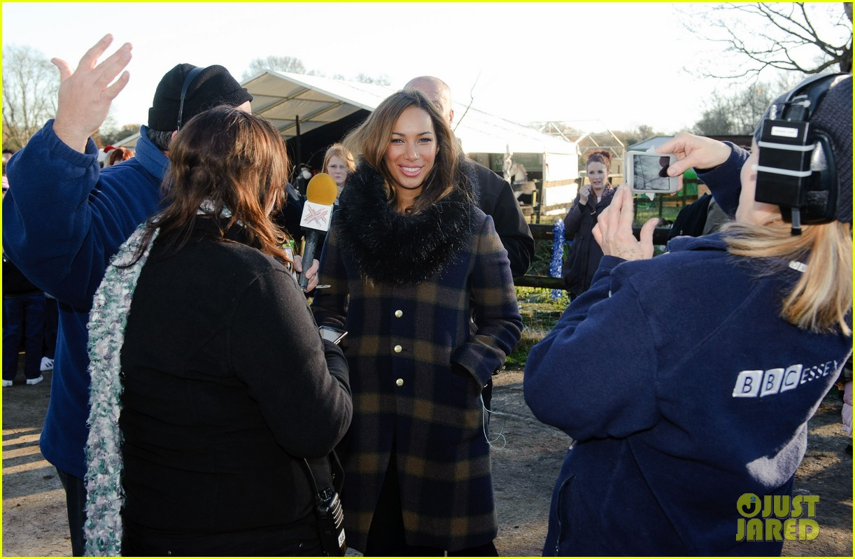 leona lewis hopefield animal sanctuary christmas fete 12