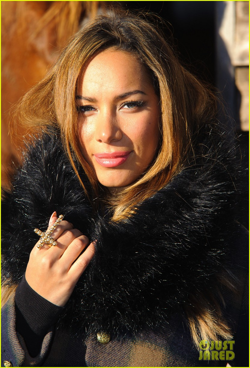 leona lewis hopefield animal sanctuary christmas fete 14