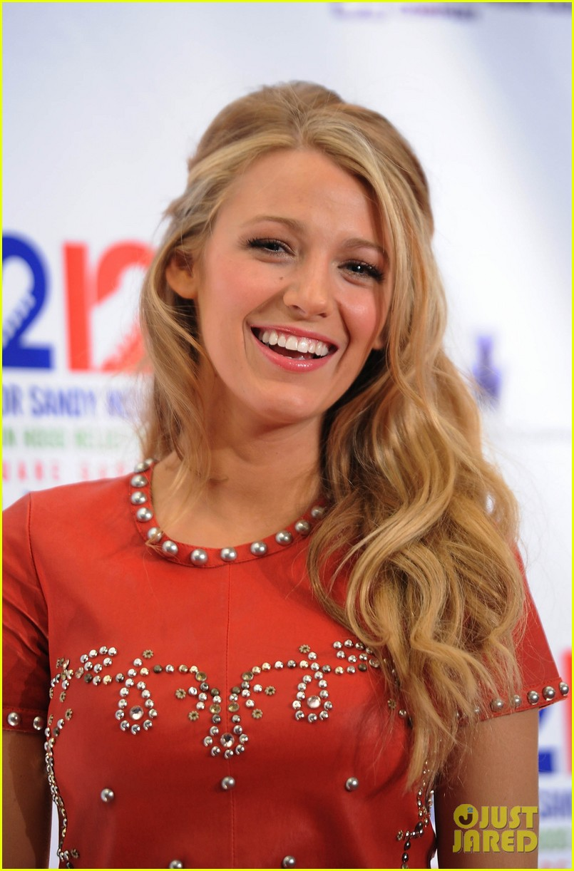blake lively katie holmes 12 12 12 concert for sandy relief 022774942