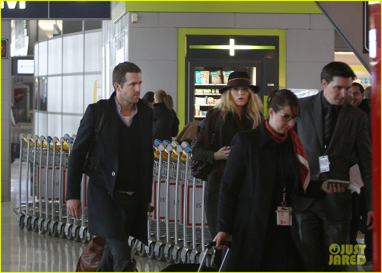 blake lively ryan reynolds charles de gaulle couple 042769646
