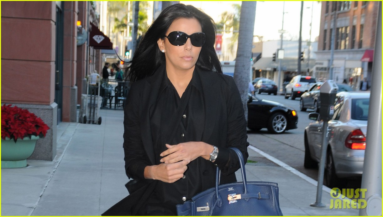 eva longoria anastasia salon beauty day 032778325