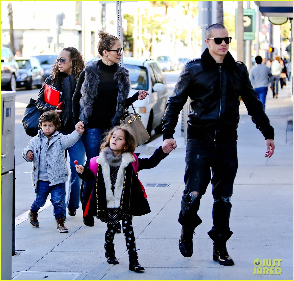 jennifer lopez casper smart beverly hills shopping with the kids 032781469