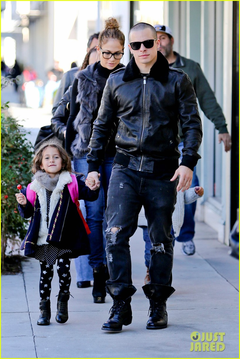jennifer lopez casper smart beverly hills shopping with the kids 072781473