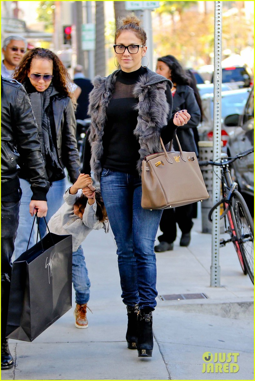 jennifer lopez casper smart beverly hills shopping with the kids 152781481