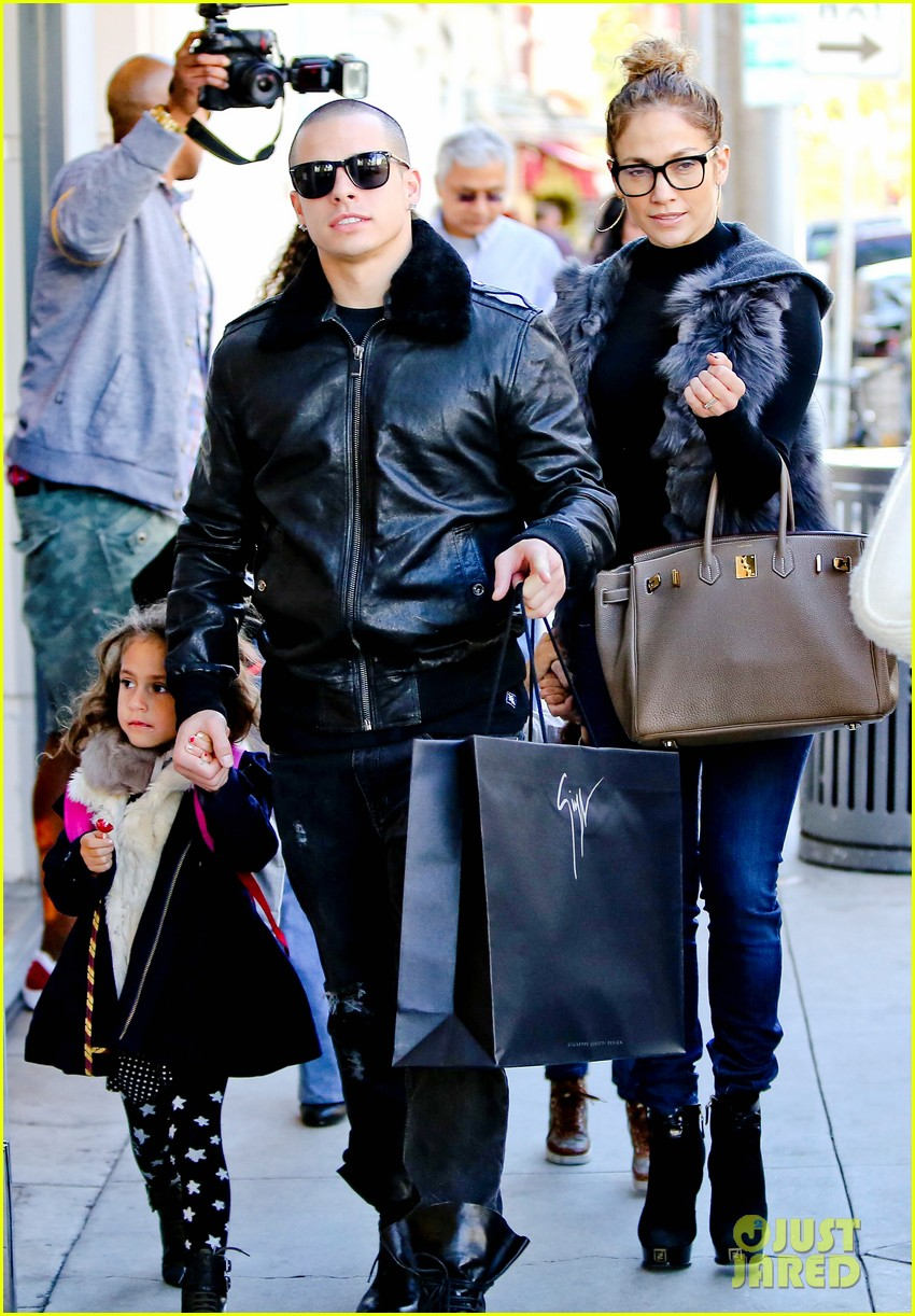jennifer lopez casper smart beverly hills shopping with the kids 192781485