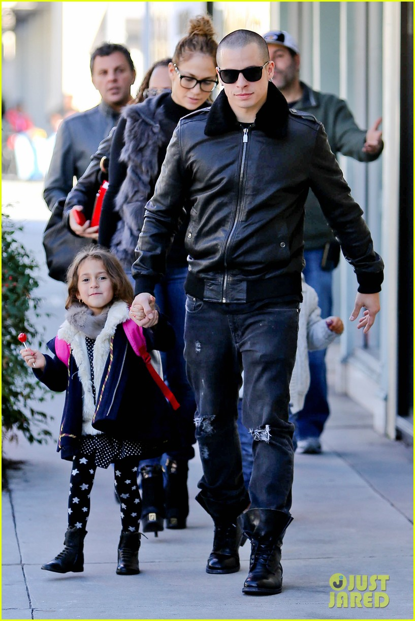 jennifer lopez casper smart beverly hills shopping with the kids 212781487