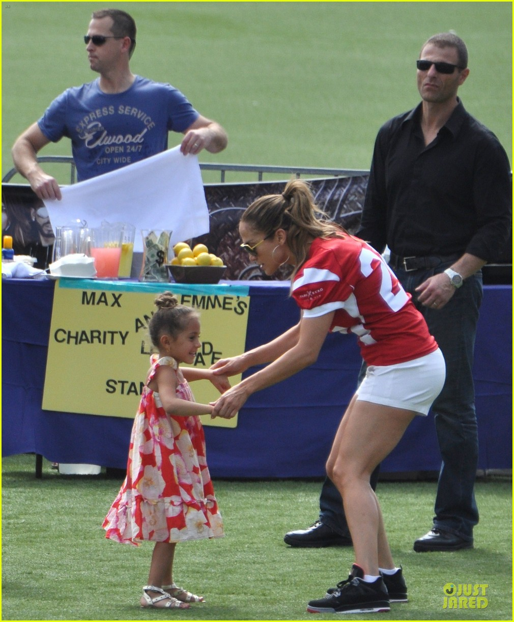 jennifer lopez charity football match with the family 05