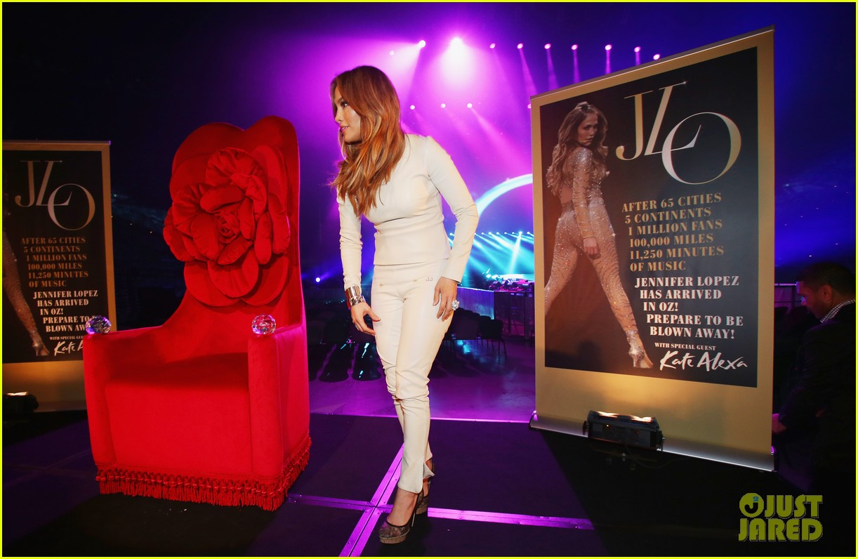 jennifer lopez melbourne press call 03