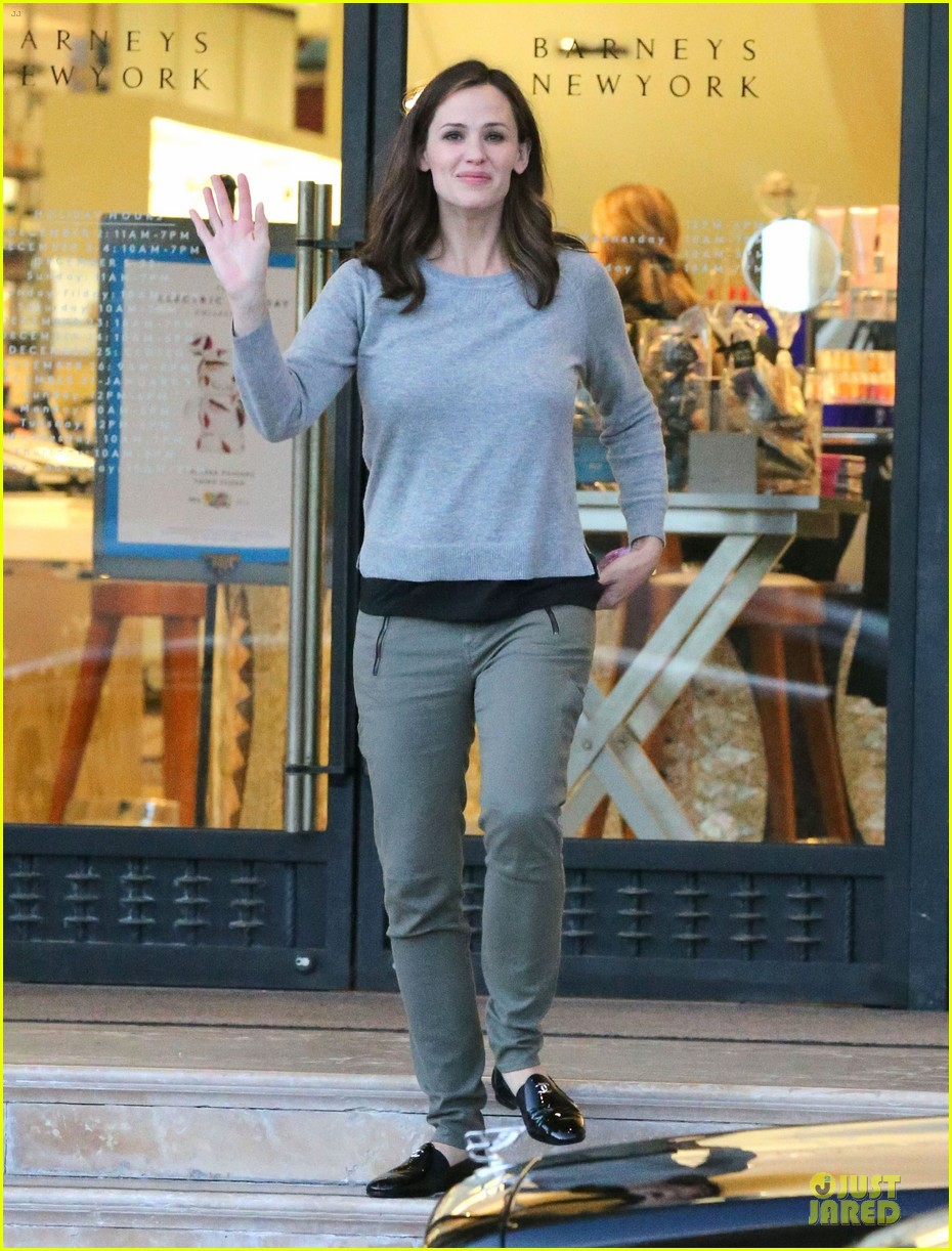 jennifer garner louises dinner with violet 082778114
